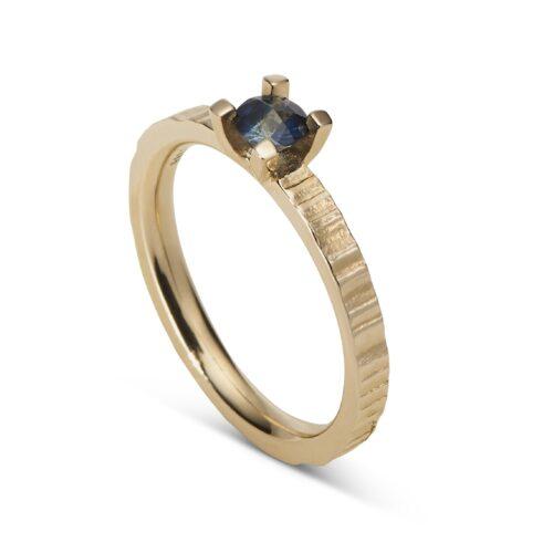 Ionic Ring Sapphire
