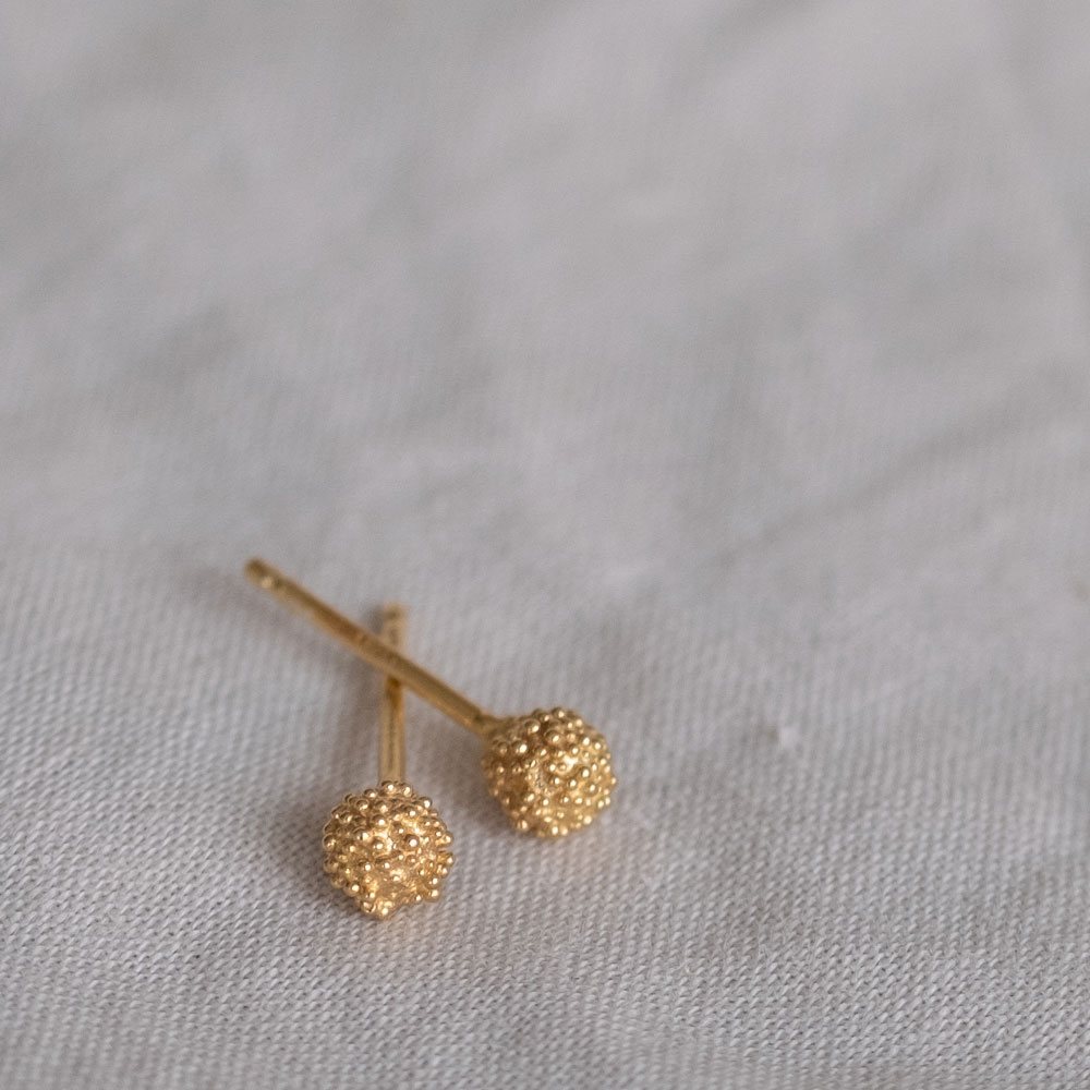Fuzzy snowball Medium Gold Plated