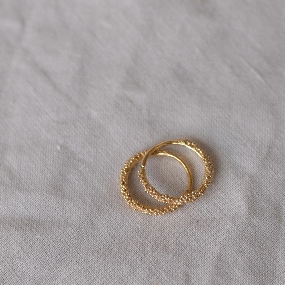 Sparkling Hoop Medium 14kt Gold