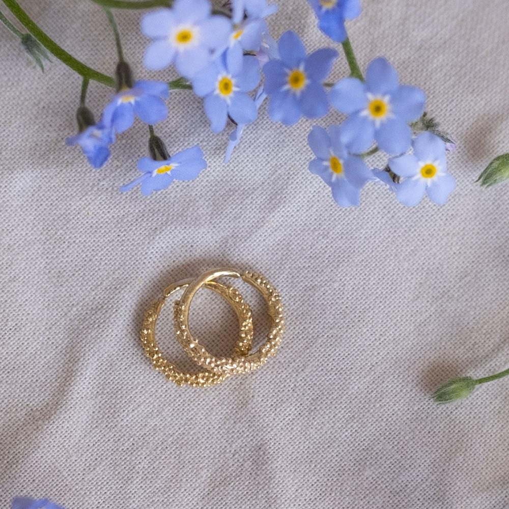 Sparkling Hoop Small 14kt Gold