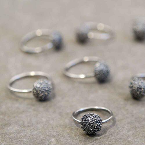 Sparkling Curve Ring Antique Grey