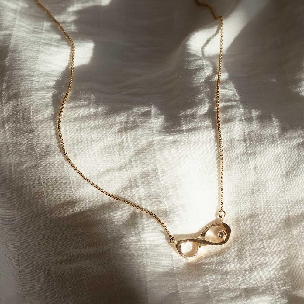 Infinity Necklace Gold Diamond